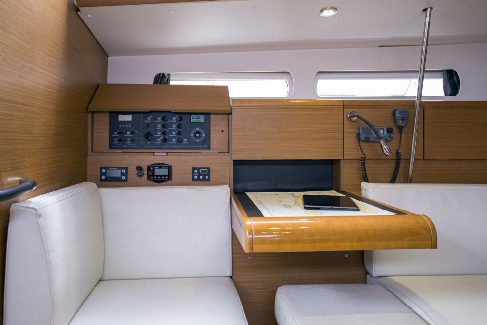 Jeanneau Sun Odyssey 439 between personal and professional Trogir