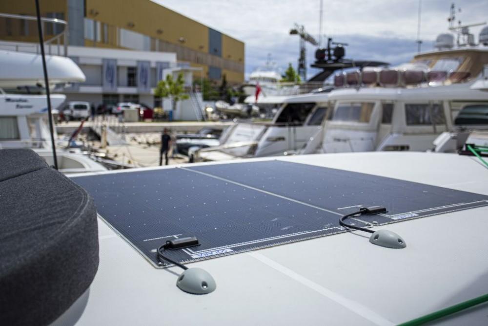 Boat rental Lagoon Lagoon 42 in Trogir on Samboat
