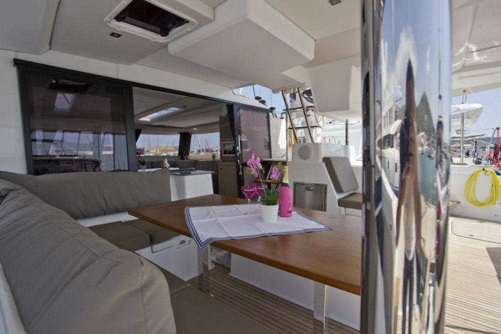 Rental Catamaran in Trogir - Fountaine Pajot Saona 47
