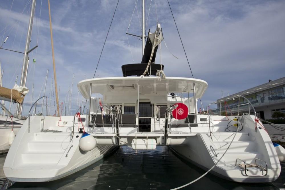 Rent a Lagoon Lagoon 450 F Trogir