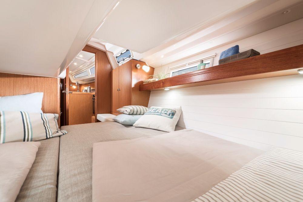 Rental Sailboat in Peloponnese - Bavaria Bavaria Cruiser 34 - 2 cab.