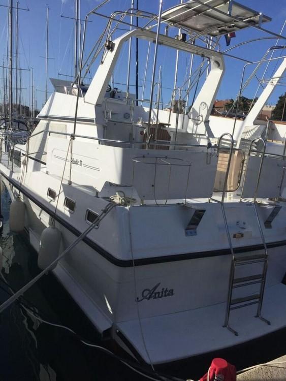 Boat rental Holand-Boats Atlantic 37 in Grad Zadar on Samboat