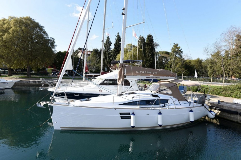 Rent a Elan Elan Impression 35 Zadar