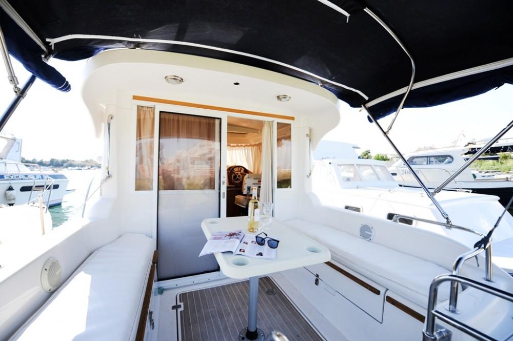 Rental Motorboat in  - Quicksilver Week End