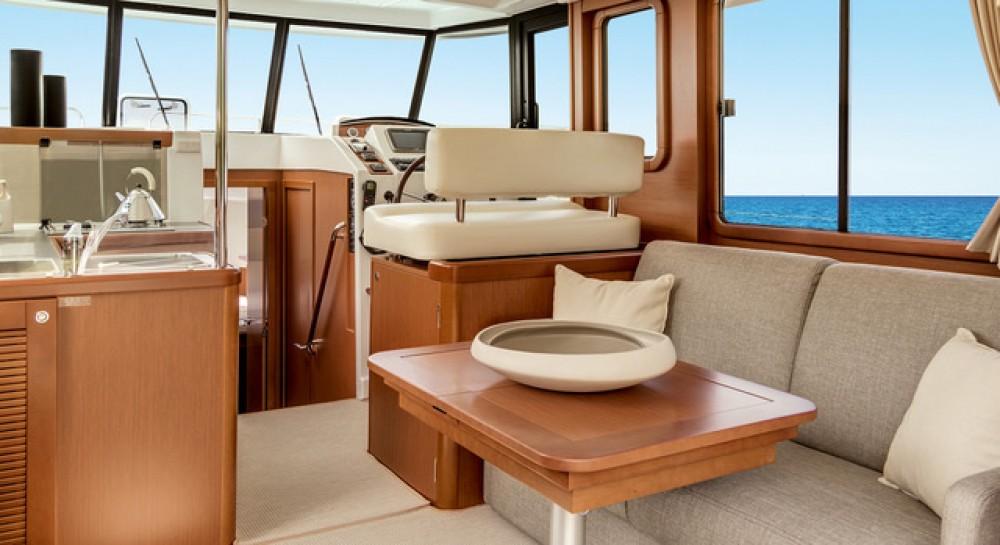 Rental yacht Zadar - Bénéteau Swift Trawler 34 Fly on SamBoat
