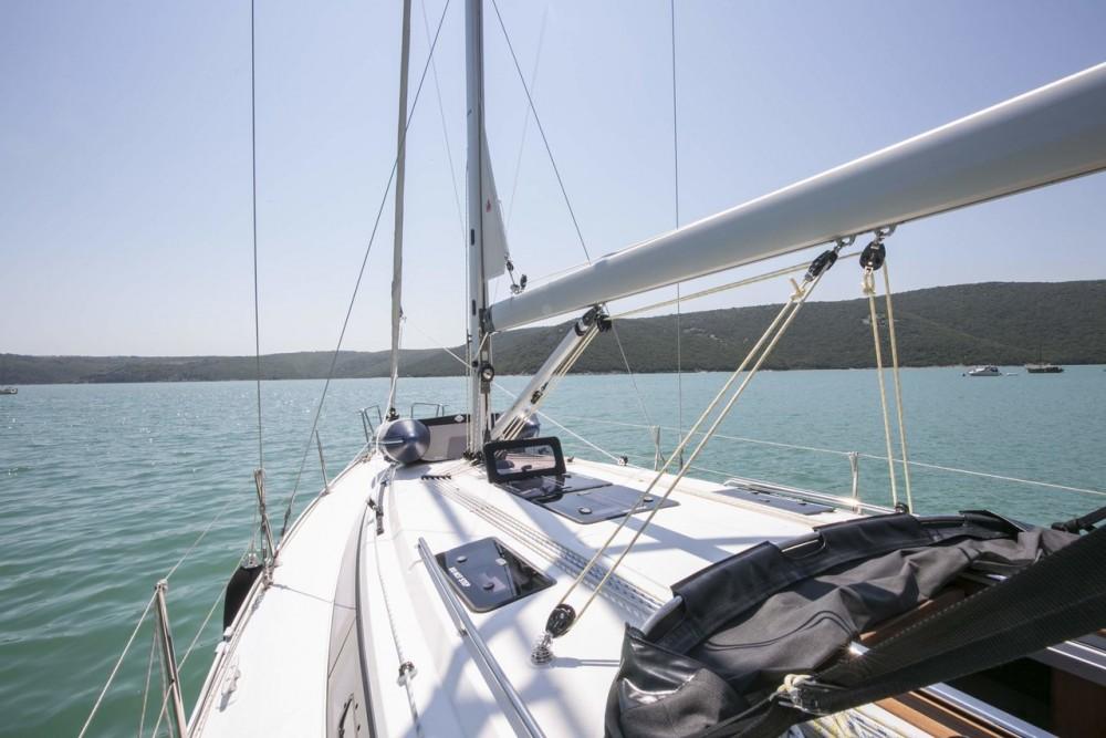 Rental yacht Primorsko-Goranska Županija - Bavaria Bavaria Cruiser 37 - 3 cab. on SamBoat