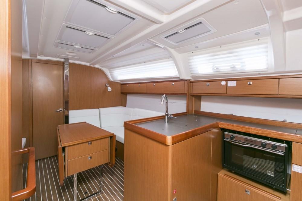 Boat rental Primorsko-Goranska Županija cheap Bavaria Cruiser 37 - 3 cab.