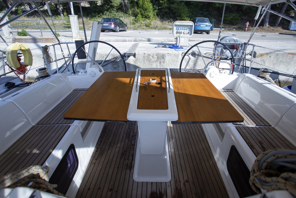 Rental Sailboat in Primošten - Dufour Dufour 412 GL