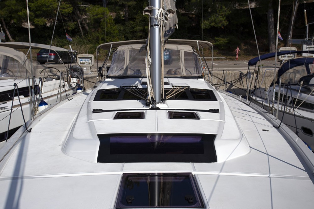 Rental yacht Grad Pula - Dufour Dufour 430 GL on SamBoat