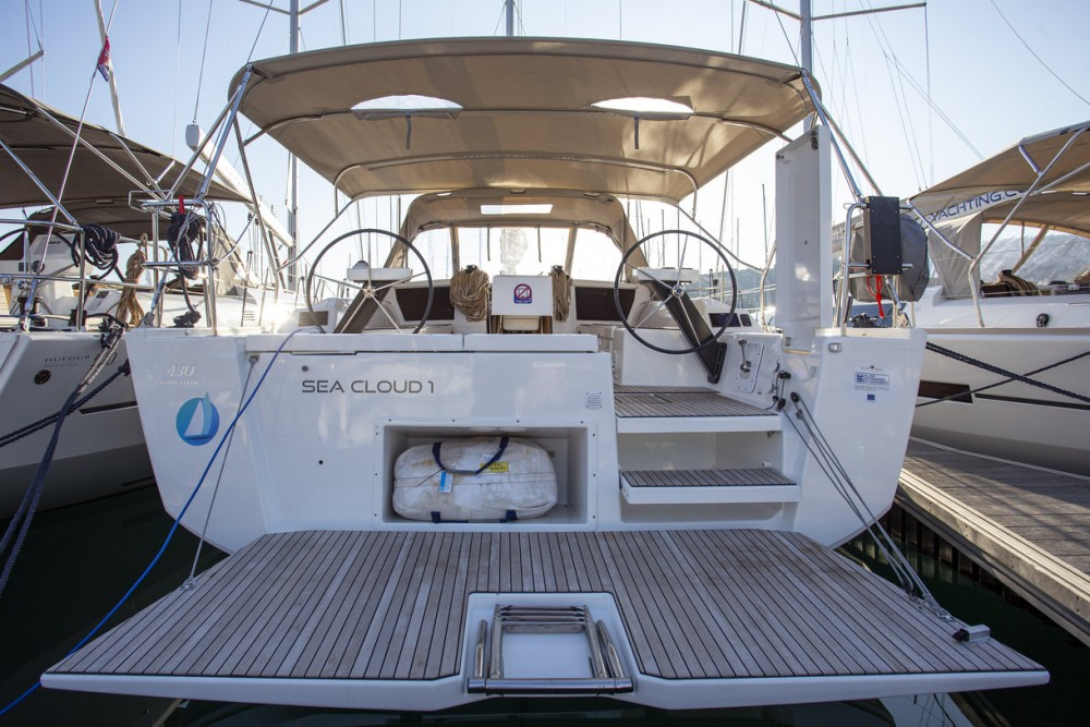 Boat rental  cheap Dufour 430 GL