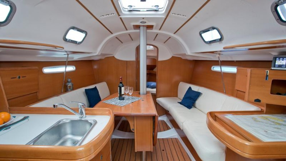 Rental yacht Primorsko-Goranska Županija - Bénéteau First 31.7 on SamBoat