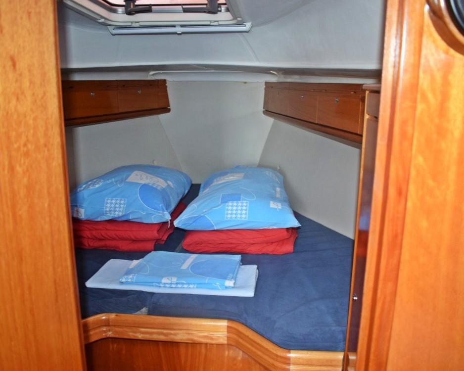 Rental yacht Croatie - Bavaria Cruiser 33 on SamBoat