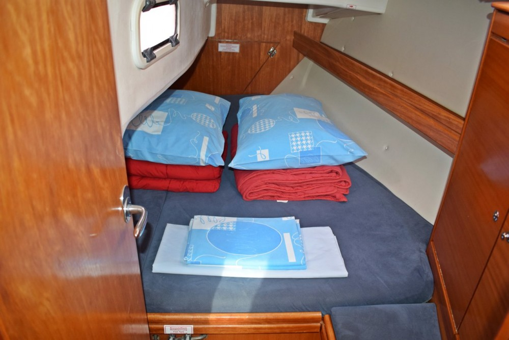Bavaria Cruiser 33 between personal and professional Croatia