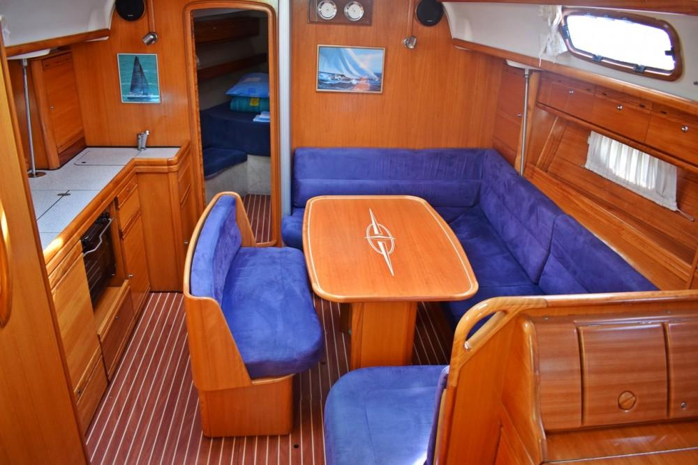 Boat rental Bavaria Cruiser 39 in Marina Kaštela on Samboat