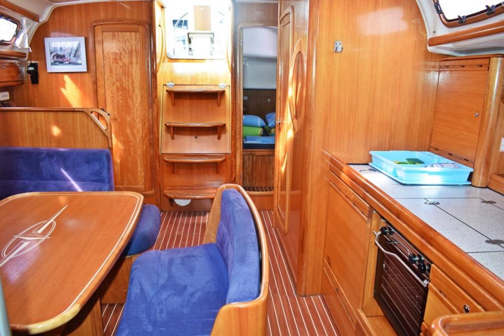 Rent a Bavaria Cruiser 39 Marina Kaštela