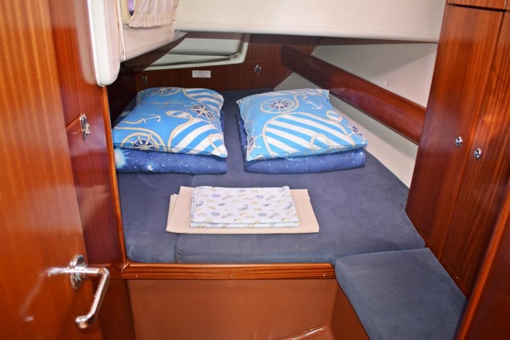 Rental Sailboat in Croacia - Bavaria Bavaria 44
