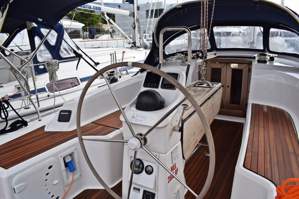 Hire Sailboat with or without skipper Bavaria Marina Kaštela
