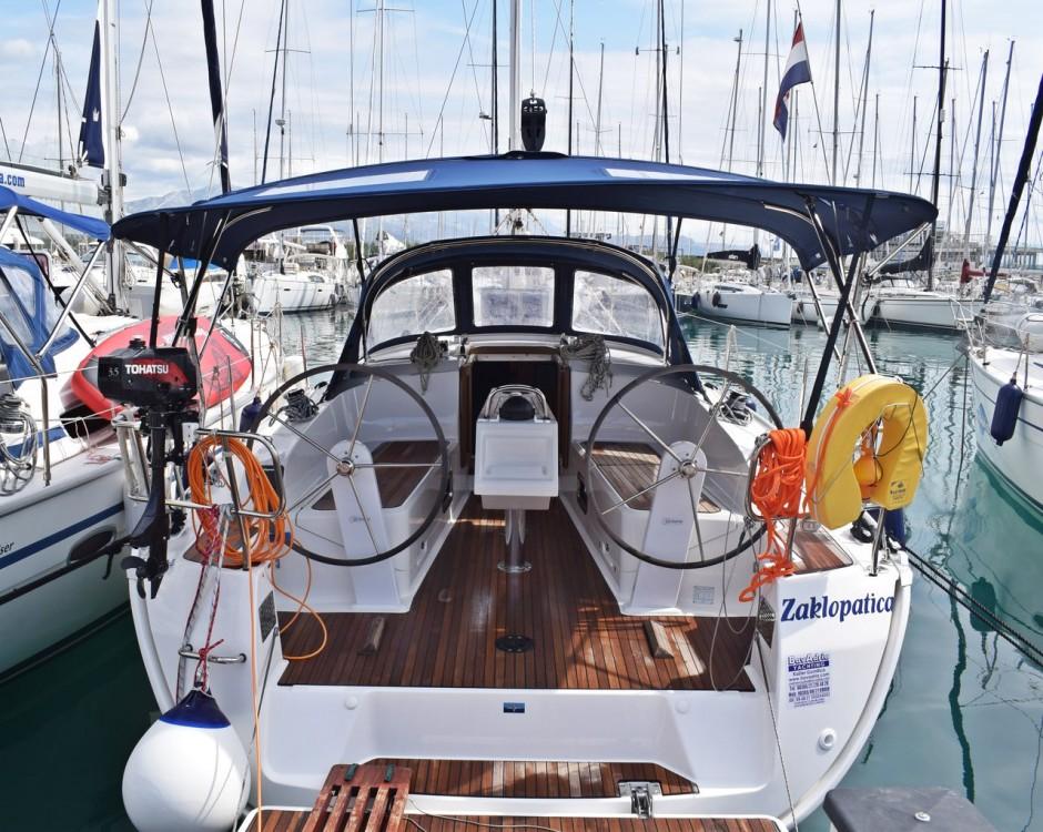 Boat rental Marina Kaštela cheap Cruiser 37