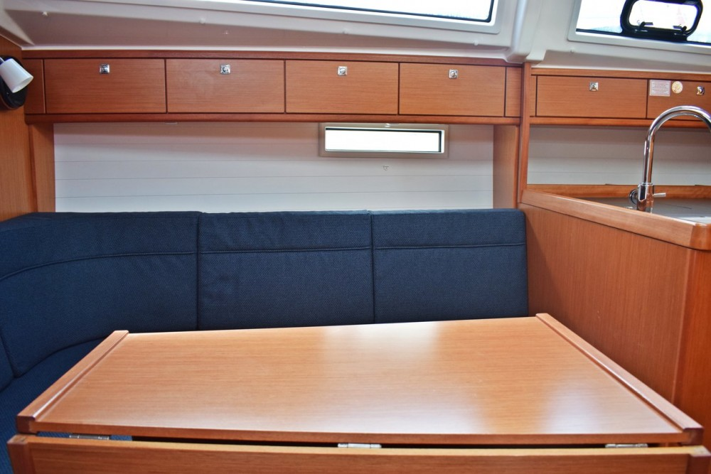 Bavaria Cruiser 37 between personal and professional Marina Kaštela