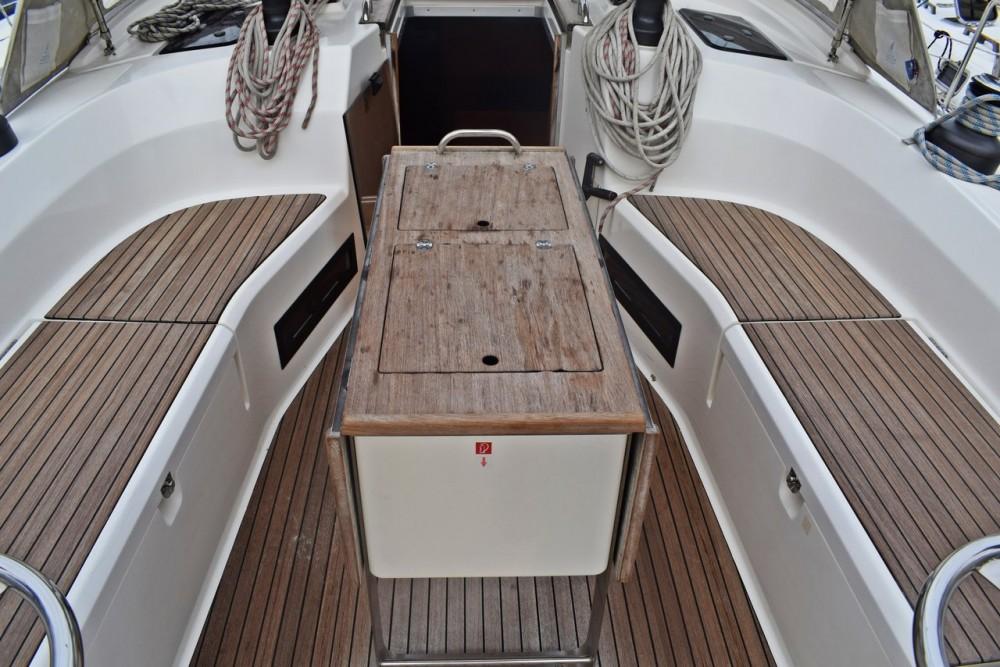 Rent a Bavaria Cruiser 45 Croacia