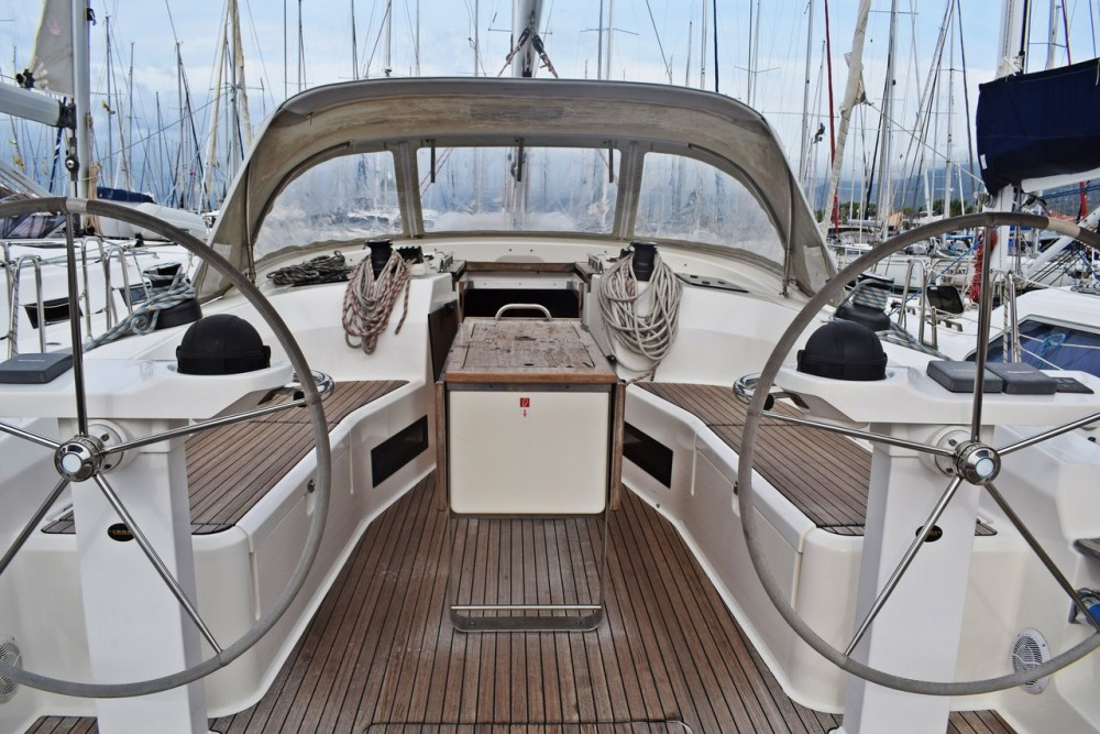 Boat rental Croatia cheap Cruiser 45