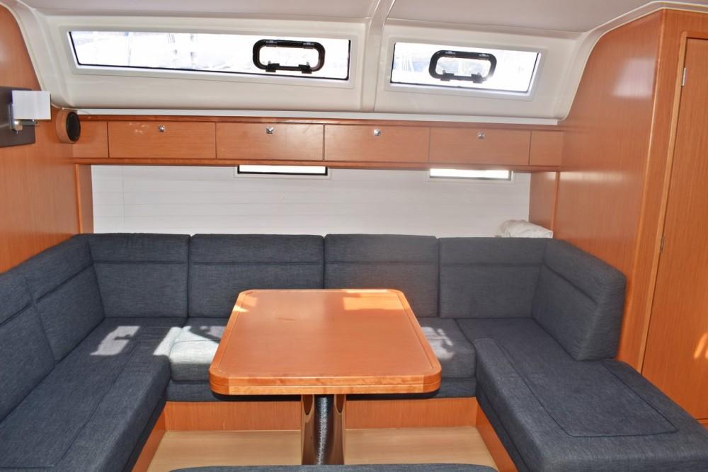 Rental yacht Marina Kaštela - Bavaria Cruiser 51 on SamBoat