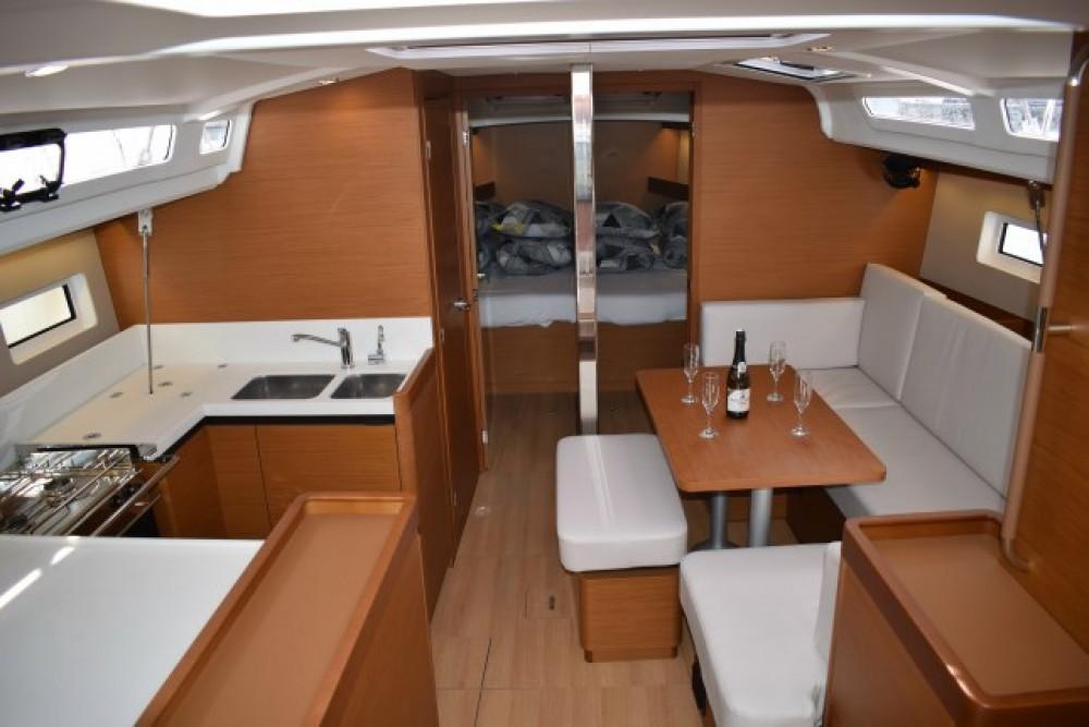 Rental Sailboat in Croatia - Jeanneau Sun Odyssey 440