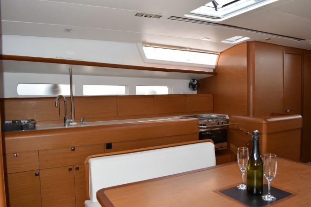 Rental Sailboat in Croatia - Jeanneau Sun Odyssey 519 - 5 + 1 cab.