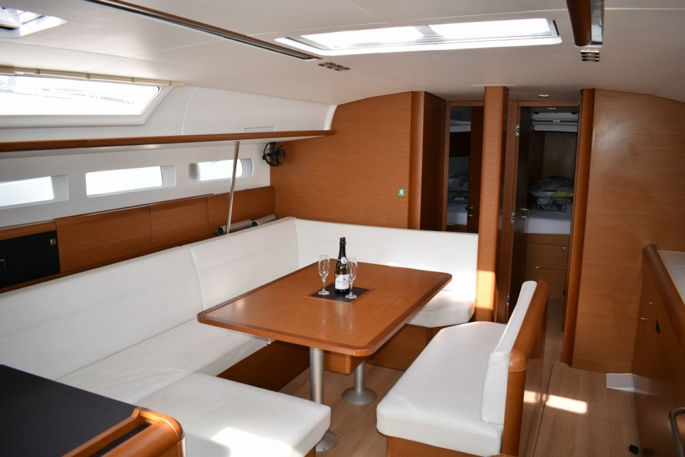 Boat rental Jeanneau Sun Odyssey 519 - 5 + 1 cab. in Croatia on Samboat
