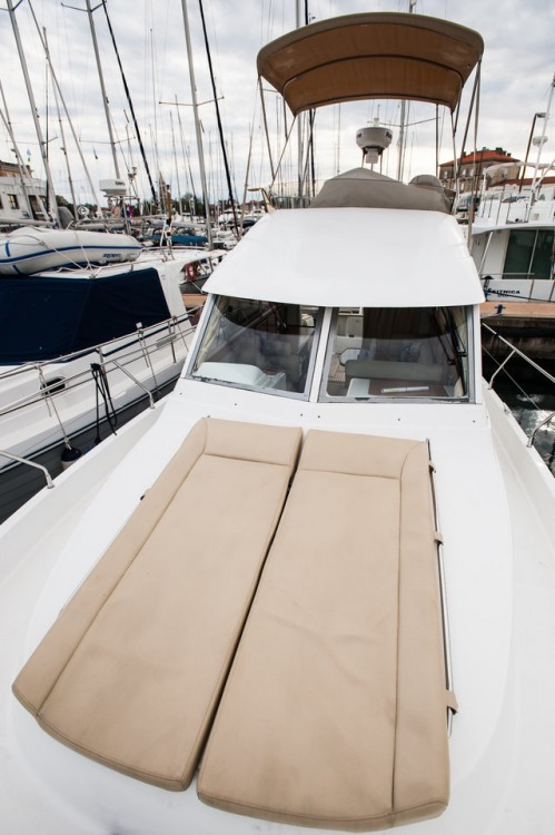 Rental Motorboat in Grad Zadar - Bénéteau Antares 10,80 Fly