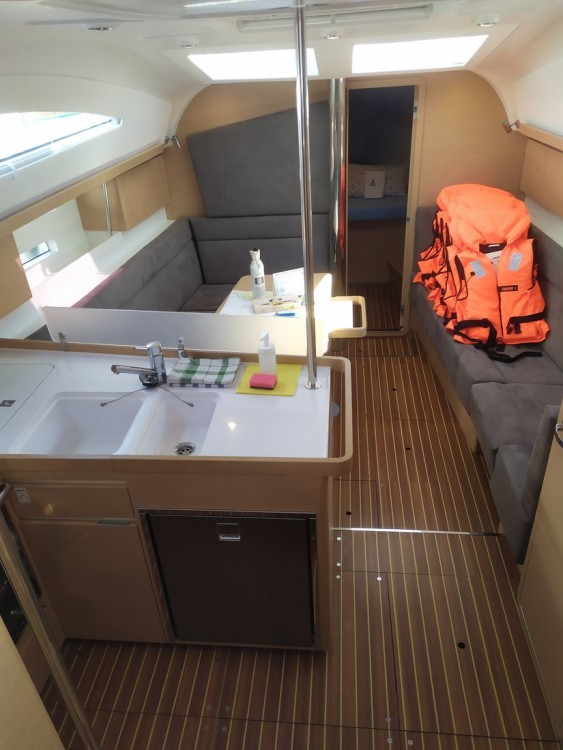 Rental Sailboat in  - Elan Elan Impression 40