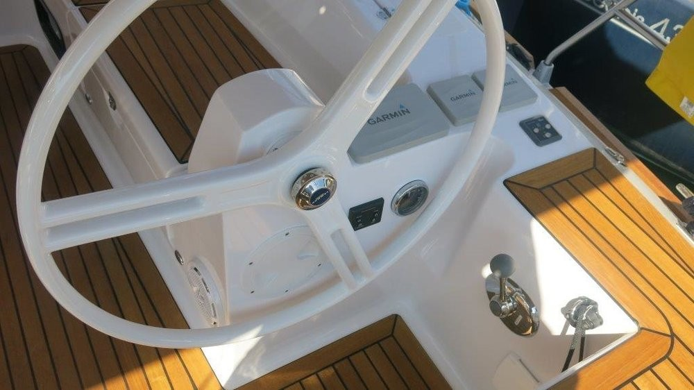 Boat rental Elan Elan Impression 45 in Grad Zadar on Samboat