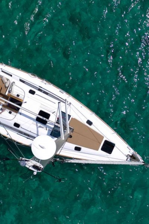 Boat rental Elan Elan Impression 45.1 in Zadar on Samboat
