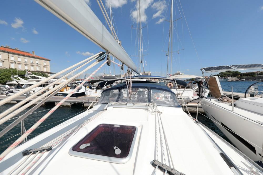 Rental yacht Grad Zadar - Bavaria Cruiser 37 on SamBoat