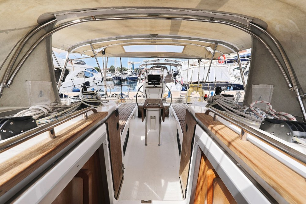 Bavaria Cruiser 36 between personal and professional Grad Zadar