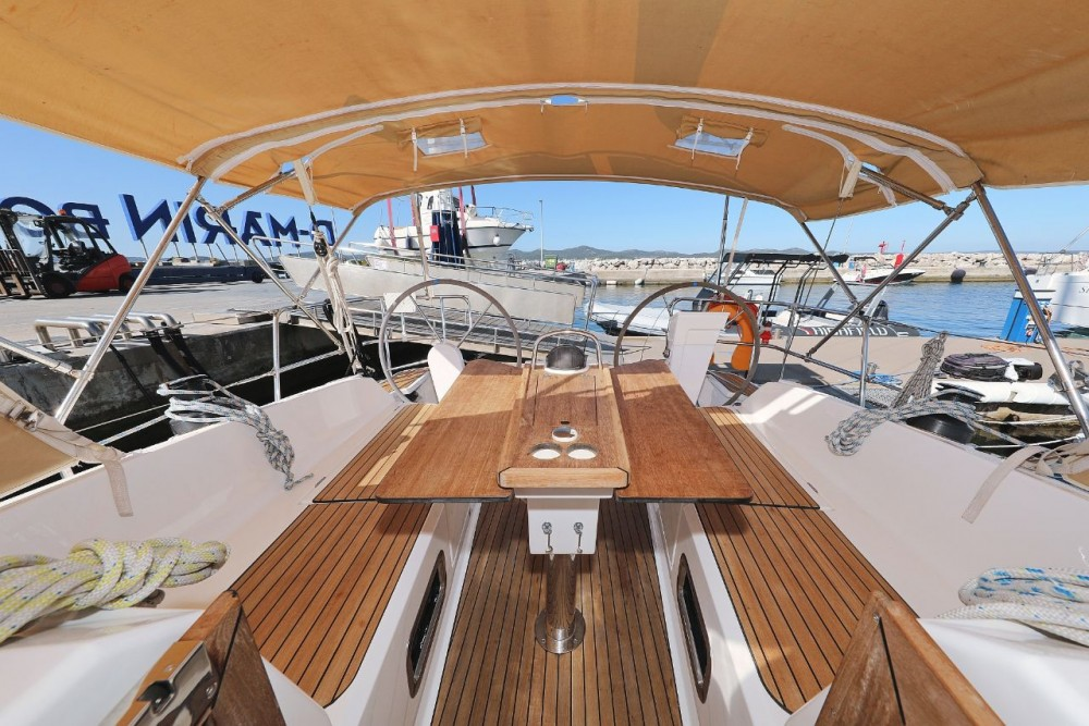 Boat rental Bavaria Cruiser 37 in Grad Zadar on Samboat