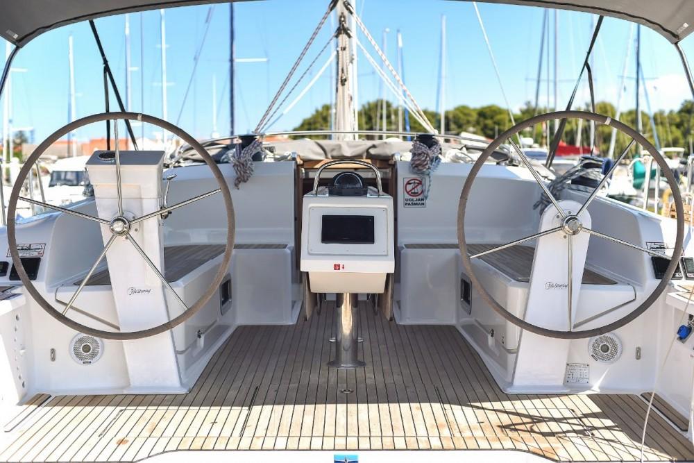 Rent a Bavaria Cruiser 46 Zadar