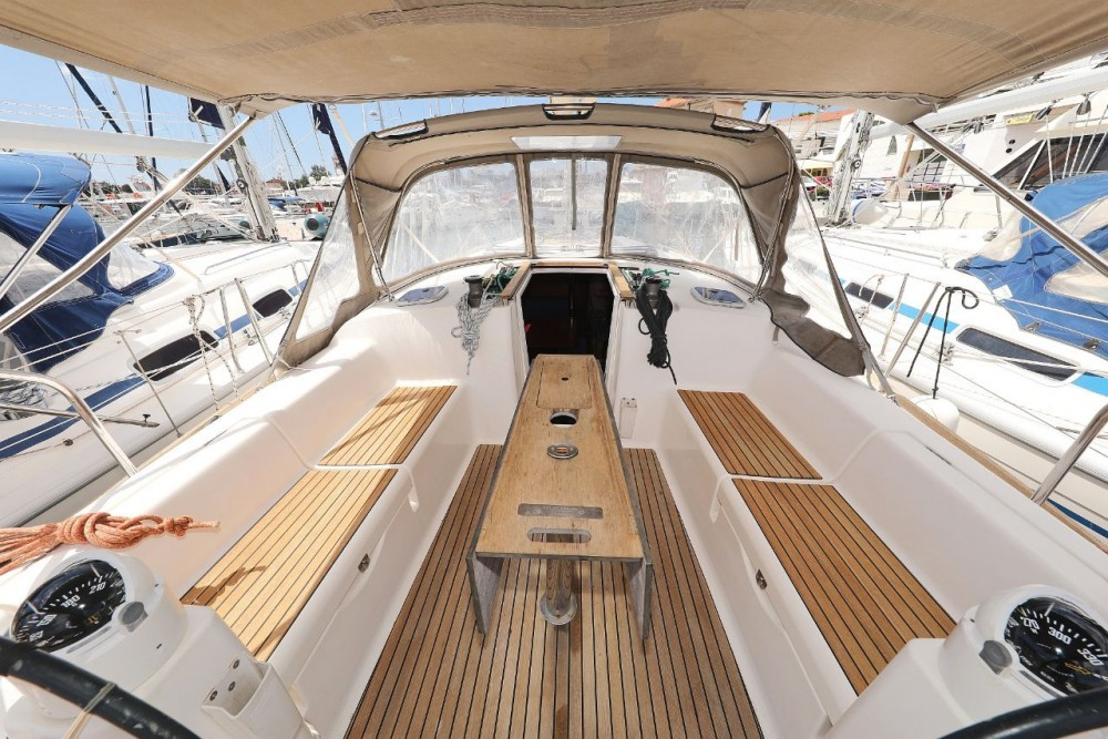 Rental Sailboat in  - Dufour Dufour 380 Grand Large