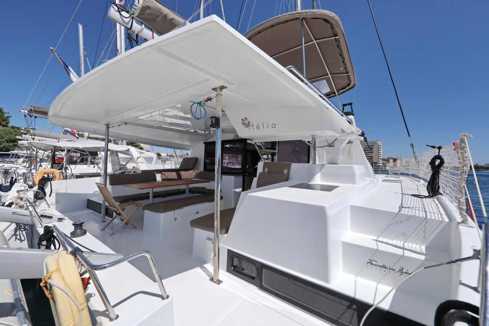 Rental Catamaran in Grad Zadar - Fountaine Pajot Helia 44