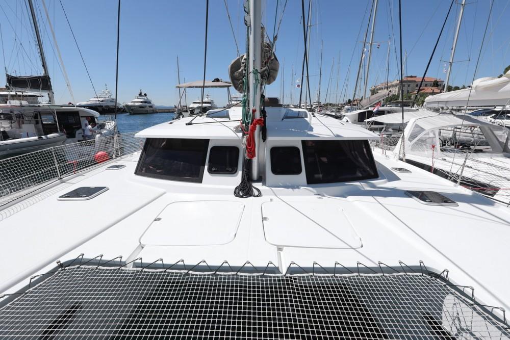 Boat rental Fountaine Pajot Helia 44 in Grad Zadar on Samboat