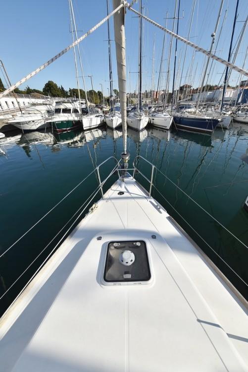 Boat rental Bénéteau Oceanis 40 in Grad Zadar on Samboat