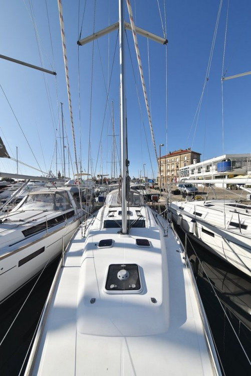 Rent a Bénéteau Oceanis 40 Grad Zadar