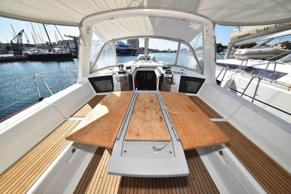 Boat rental Bénéteau Oceanis 45 in Grad Zadar on Samboat