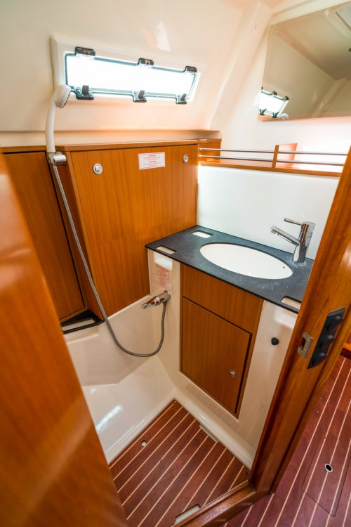 Rental yacht  - Bavaria Cruiser 36 on SamBoat