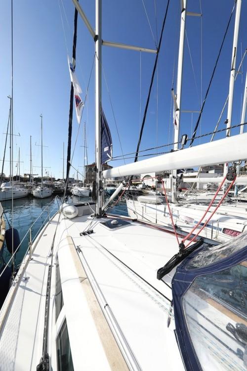 Rent a Jeanneau Sun Odyssey 39i Grad Zadar