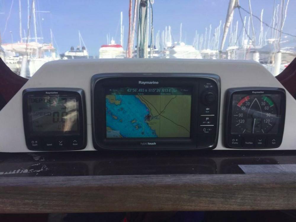 Rental yacht  - Elan Elan 340 on SamBoat