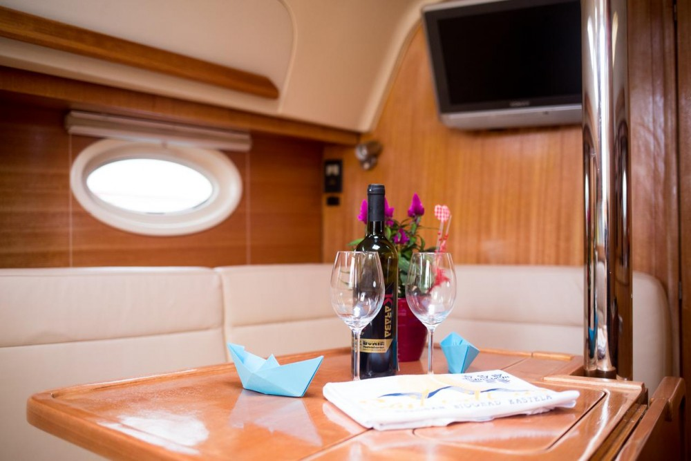 Rental Sailboat in Croatia - Elan Elan 344 Impression