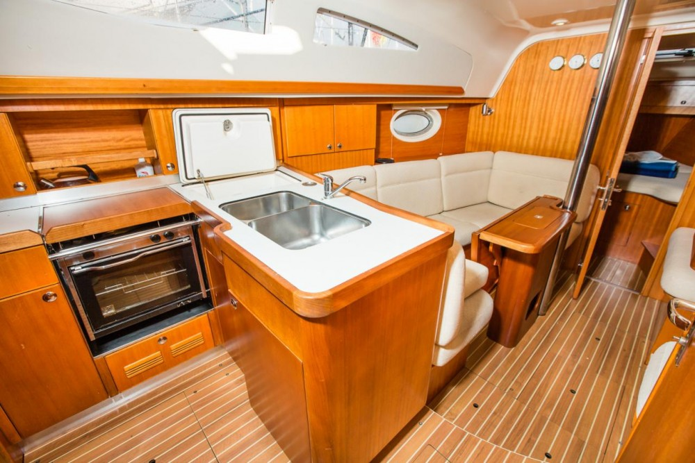 Rental Sailboat in Croatia - Elan Elan 34