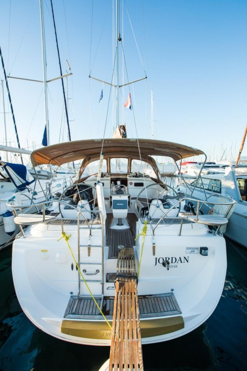 Rental Sailboat in Croatia - Elan Elan 434