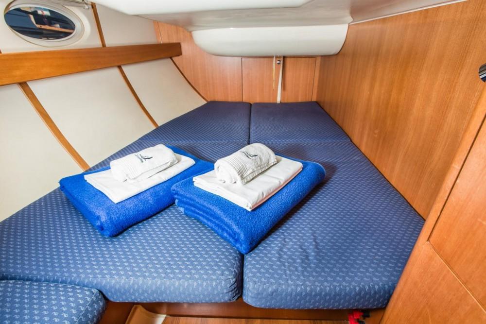 Boat rental Elan Elan 434 in Croatia on Samboat